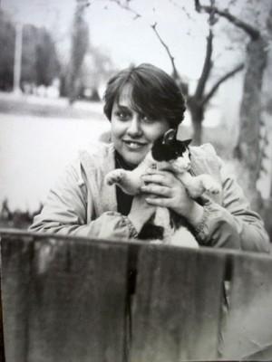 Кот Яша в руках у первой хозяйки Ольги Щербак, дочери художника (фото из архива семьи Щербак)