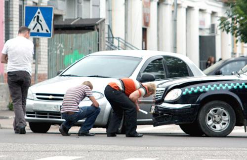 В Украине разрешат не вызывать ГАИ на мелкое ДТП