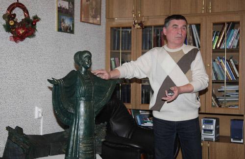 Стало відомо, яким буде пам'ятник Раїсі Кириченко у Полтаві