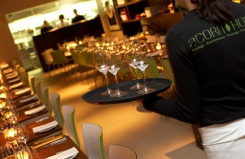 Ресторанний бізнес та роздрібна торгівля набирають обертів