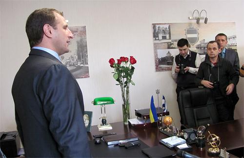 Мэр Кременчуга пригласил СМИ на свое новоселье