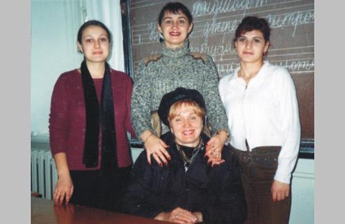 Лідія Олександрівна Кучер — викладач гриму і макіяжу Гадяцького училища культури