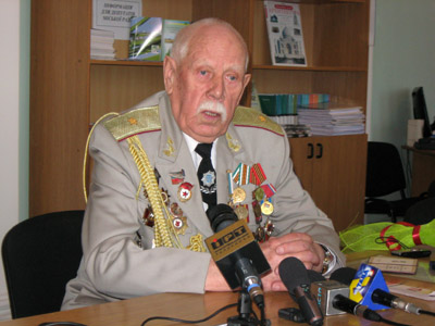Борис Лутін