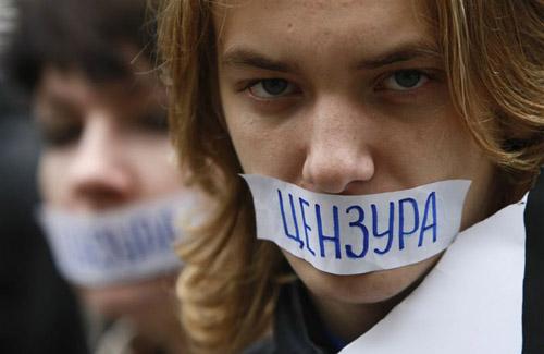 Журналісти скаржаться на переслідування з боку влади