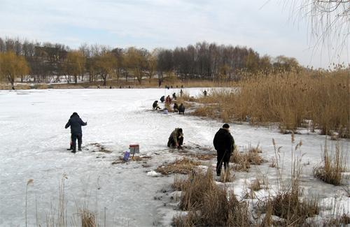 Полтавські рятувальники — рибалкам-самогубцям: геть з криги