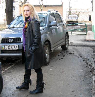С людьми хозяйка автомобиля общается матом