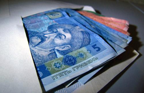 Зарплату в конвертах отримує майже 3 тисячі полтавців