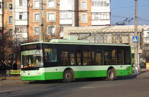 Современный низкопольный троллейбус Богдан Т601.11