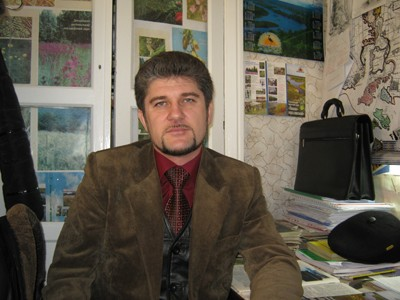 Віктор Попельнюх — доцент кафедри екології та охорони довкілля ПНПУ, кандидат біологічних наук