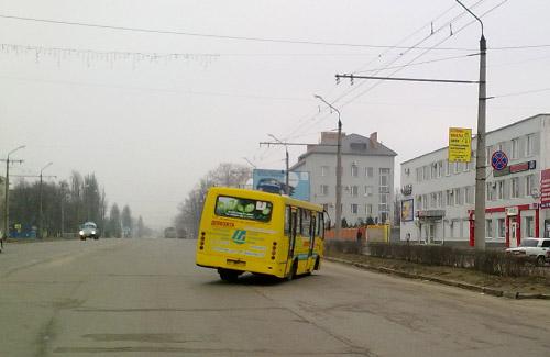 Автобус «Богдан» по маршруту № 2 с сильным боковым креном