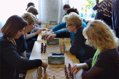 Турнір розпочався зі змагань жінок