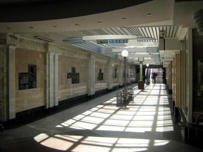 Вестибюль станції «Корпусний парк»