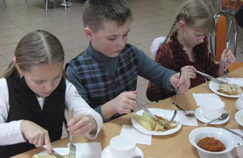 Батьки учнів третьої школи на шкільне харчування не скаржаться
