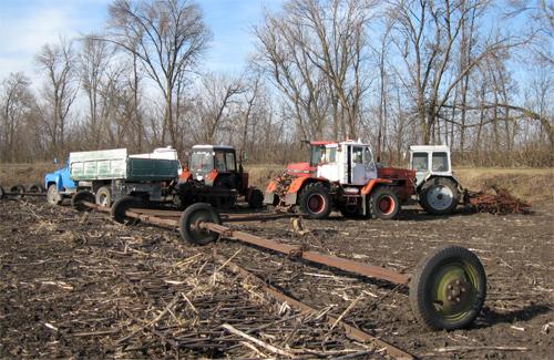 Блокування тракторів ТОВ «Добробут»