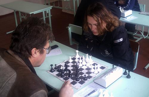 Олексій Плюшко грає з Юлією Браілко