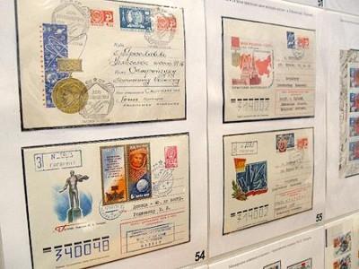Полтавчанин показал 50-летнюю историю космоса в марках