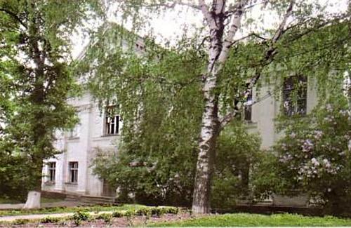 Лікарня в селі Петрівка-Роменська