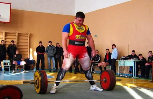 Чипко Геннадий, становая тяга, вес штанги – 300 кг