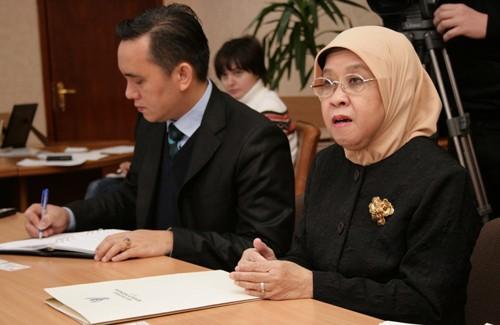 Надзвичайний і Повноважний Посол Республіки Індонезія в Україні Нінінг Сунінгсіх Рохадіат