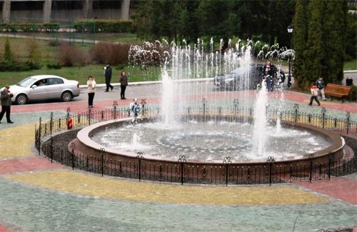 Свето-музыкальный фонтан в Миргороде
