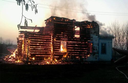 На Полтавщине накануне Пасхи сгорела 140-летняя церковь