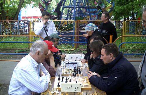Святковий шаховий бліц у парку «Перемога»