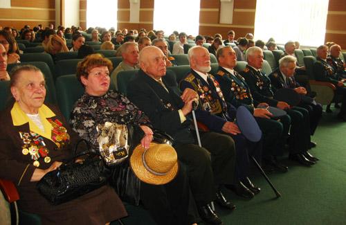 Студенти привітали ветеранів
