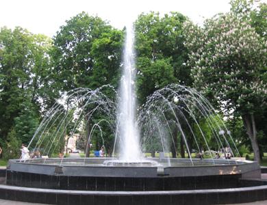 Другий фонтан в Сонячному парку працює, як і перший