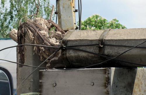За три года в Полтаве упало четыре столба