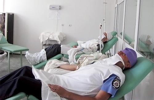 Полтавські правоохоронці стали донорами для хворих дітей