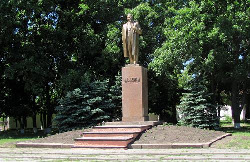 Новий пам'ятник Леніну у Шишаках