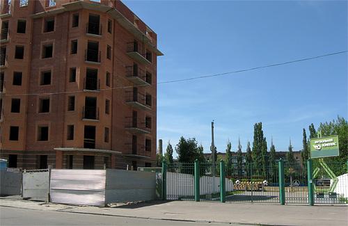 Строительства жилого дома возле стадиона «Локомотив» в Полтаве