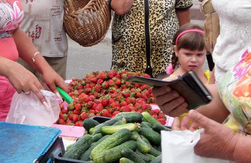 Міськвиконком просить міліцію побороти стихійну торгівлю