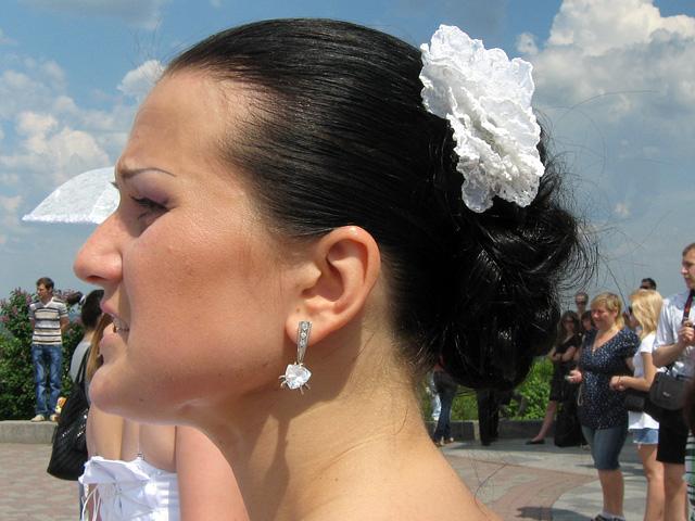 высокий лоб с залысинами у женщин прически