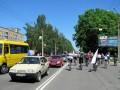 Участники велопробега приветствуют участников автопробега ко дню Европы в Полтаве