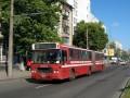 Летом автобусы часто ездили с открытыми моторными отсеками
