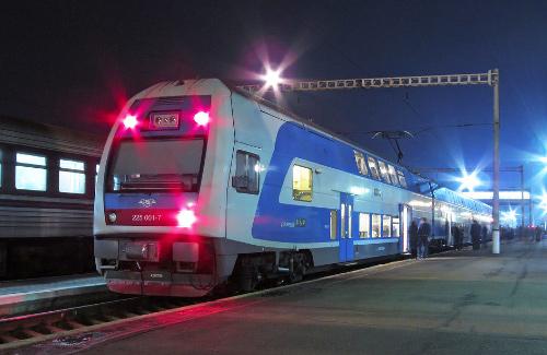 Из харькова в киев курсируют поезда