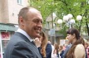Олександр Мамай жартує та бажає Ларисі Гольник одужувати