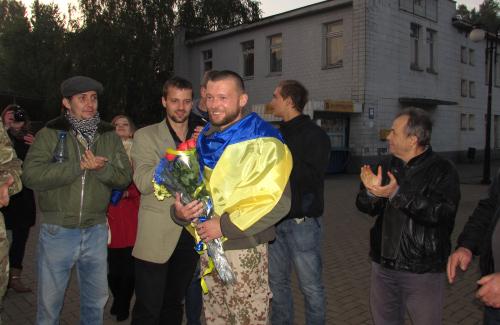 Сергія Антонця зустрічають на Київському вокзалі у Полтаві