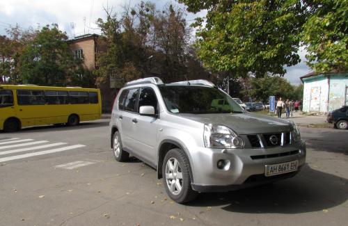 «Nissan X-Trail» з донецькими номерами