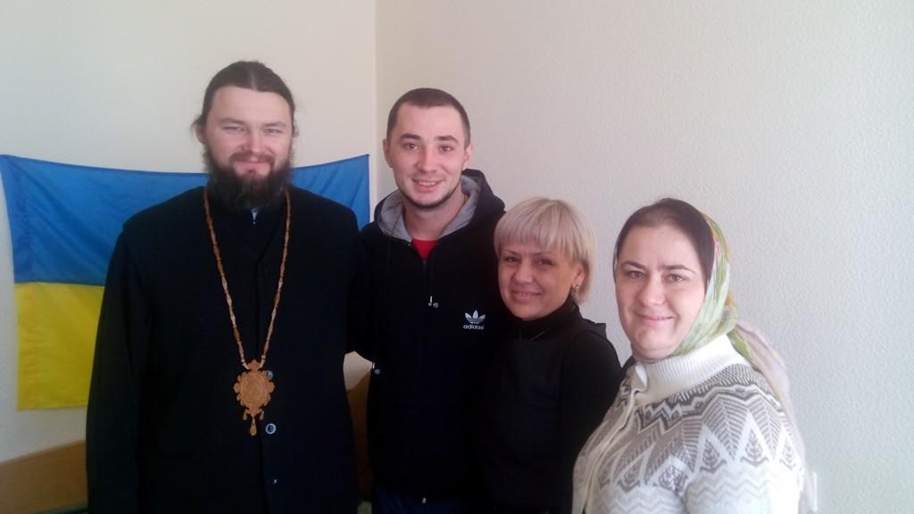 Боєць Євген з Дніпропетровська та делегація