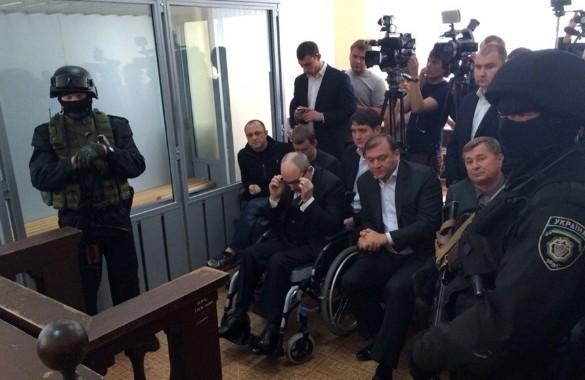 Геннадий Кернес в зале суда