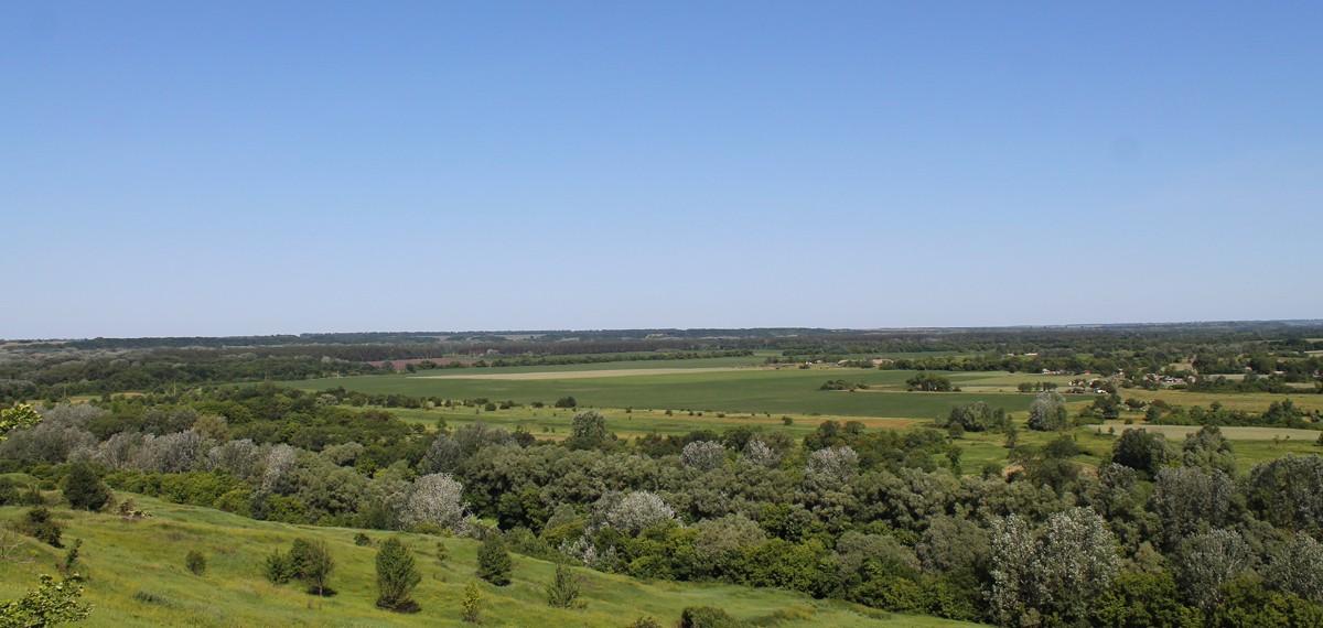 Вид з краю святкового майданчика - Шар-гори