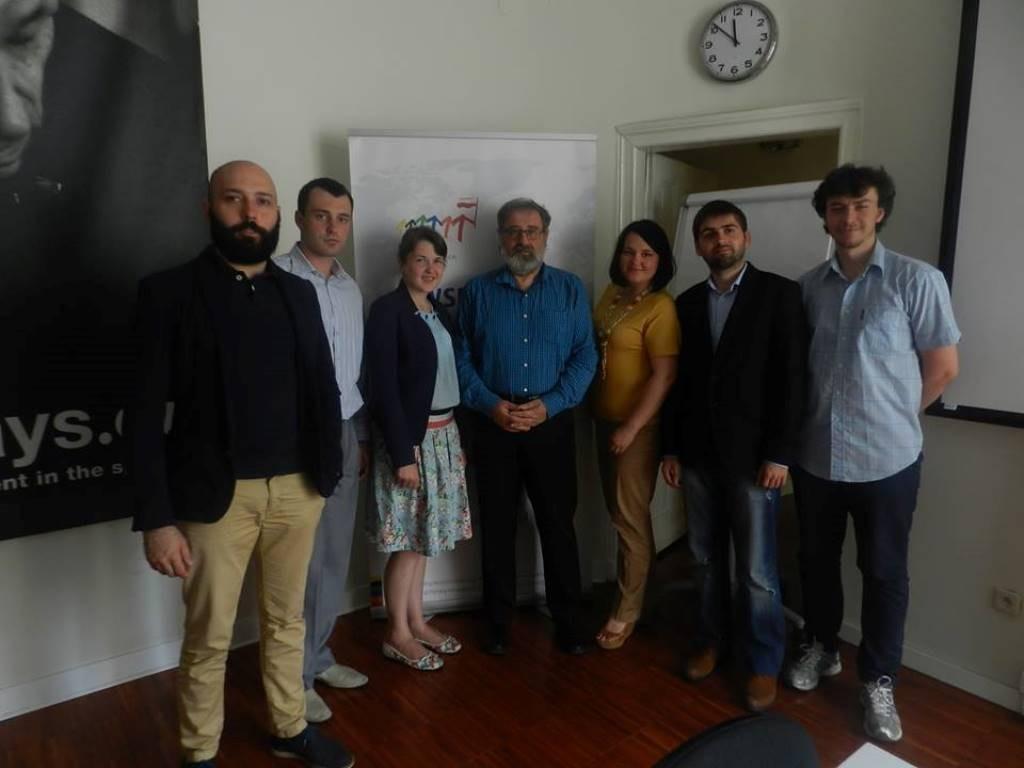 Кшиштоф Становські і учасники програми Молодь змінить Україну (фото Олександра Ярощука)
