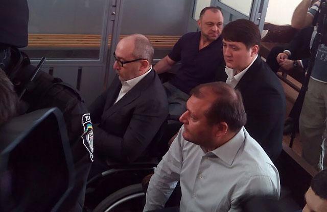 Геннадий Кернес и Михаил Добкин в зале суда