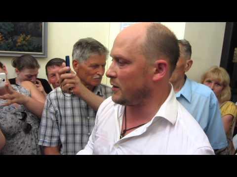 Сергей Каплин вызывает спасателей в горсовет (Полтава, 10.07.2015)