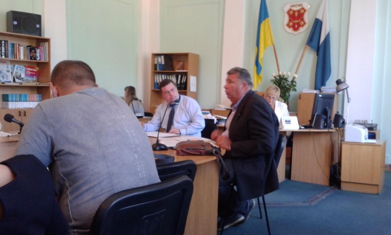На фото (в центрі): Олександр Козуб, депутат Полтавської міської ради.