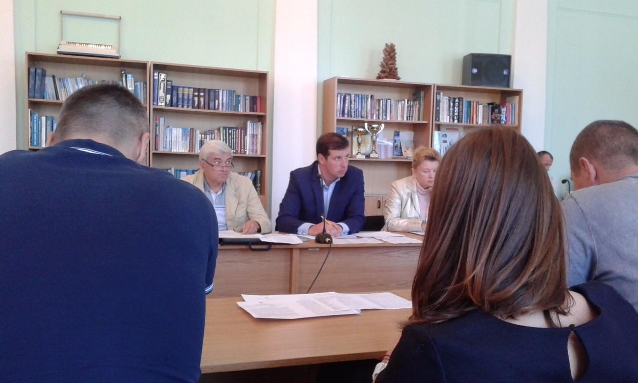 На фото (в центрі): Олександр Шамота, депутат Полтавської міської ради.