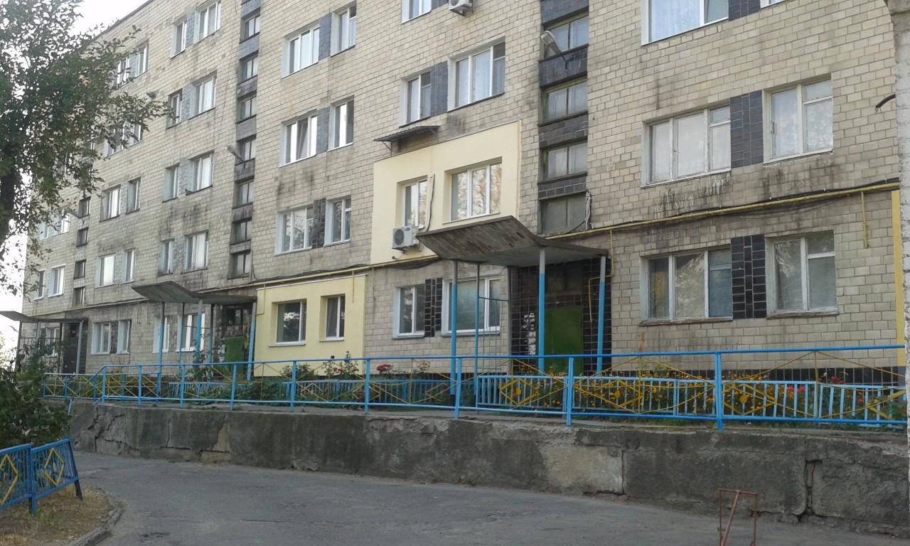 Будинок по вул. Комсомольській, 7.