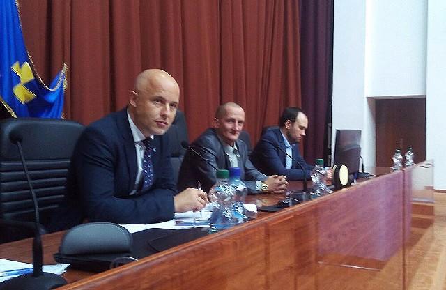 Костянтин Кірпосенко, Олександр Масюк та Андрій Сімонов у президії облради